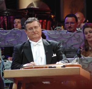 Freditic Jenniges, zither, Andre rieu translations.com